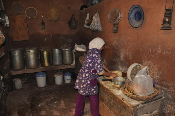 Berber_Bread_Making